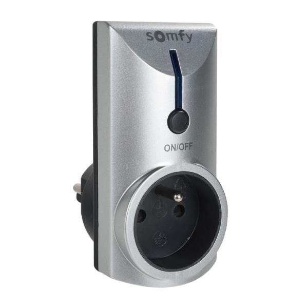 Dálkově ovládaná zásuvka Somfy RTS s funkcí stmívání, pro použití v interiéru